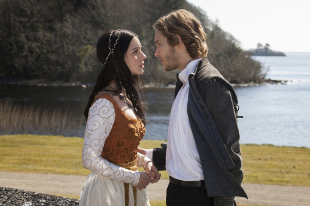 adelaide-kane-toby-regbo-mary-francis-reign