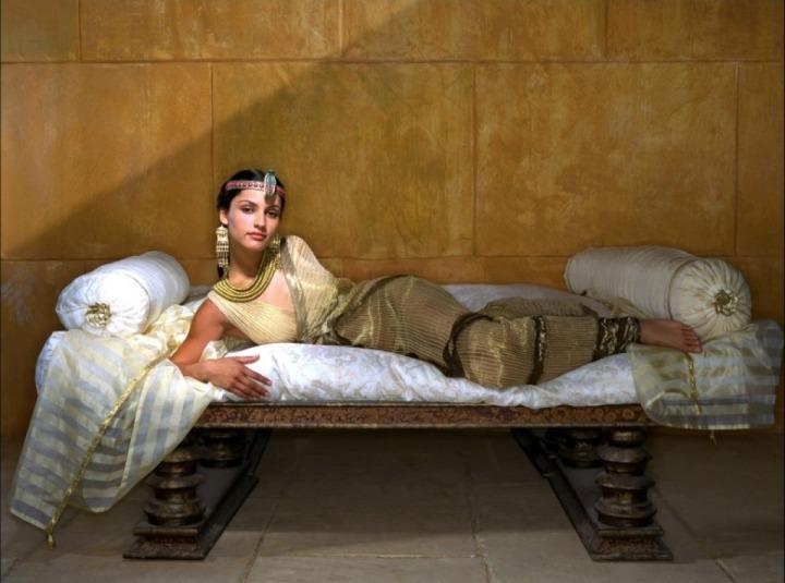 leonor-varela-cleopatra