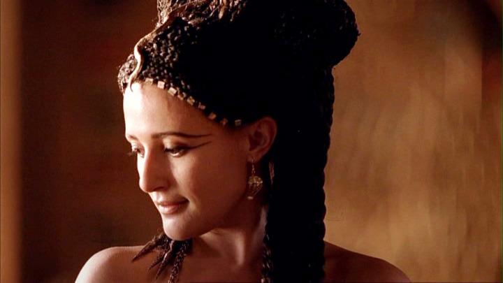 lyndsey-marshal-cleopatra-rome