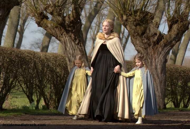 white queen elizabeth with daughters